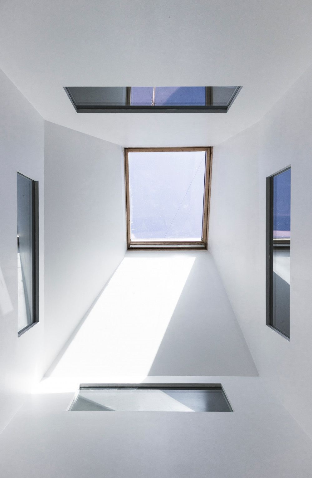 square roof window pictured from directly below