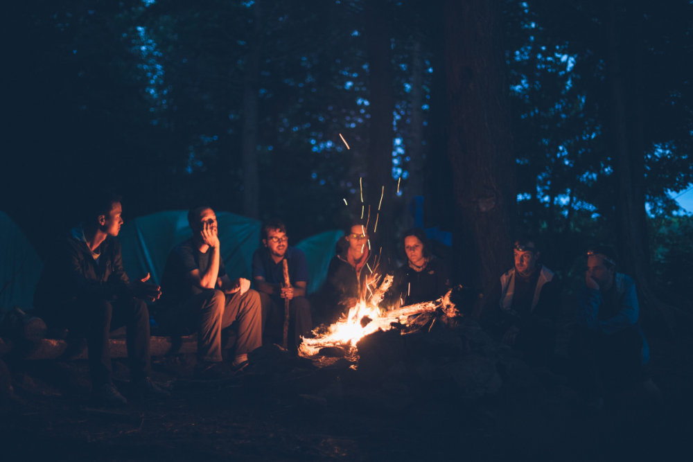 summer activities for kids round campfire