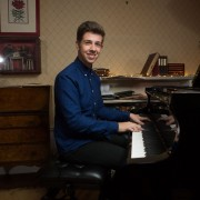 Experienced Music Technology, Music Theory, Music Tutor in Epsom